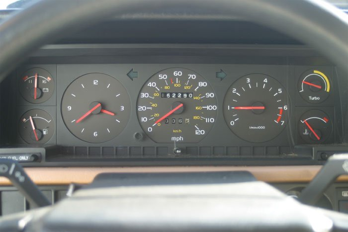 At first glance, the Volvo's gauge cluster looks well equipped. Closer inspection, however, reveals that many of those dials aren't very helpful. The boost gauge, for example, is not numbered.