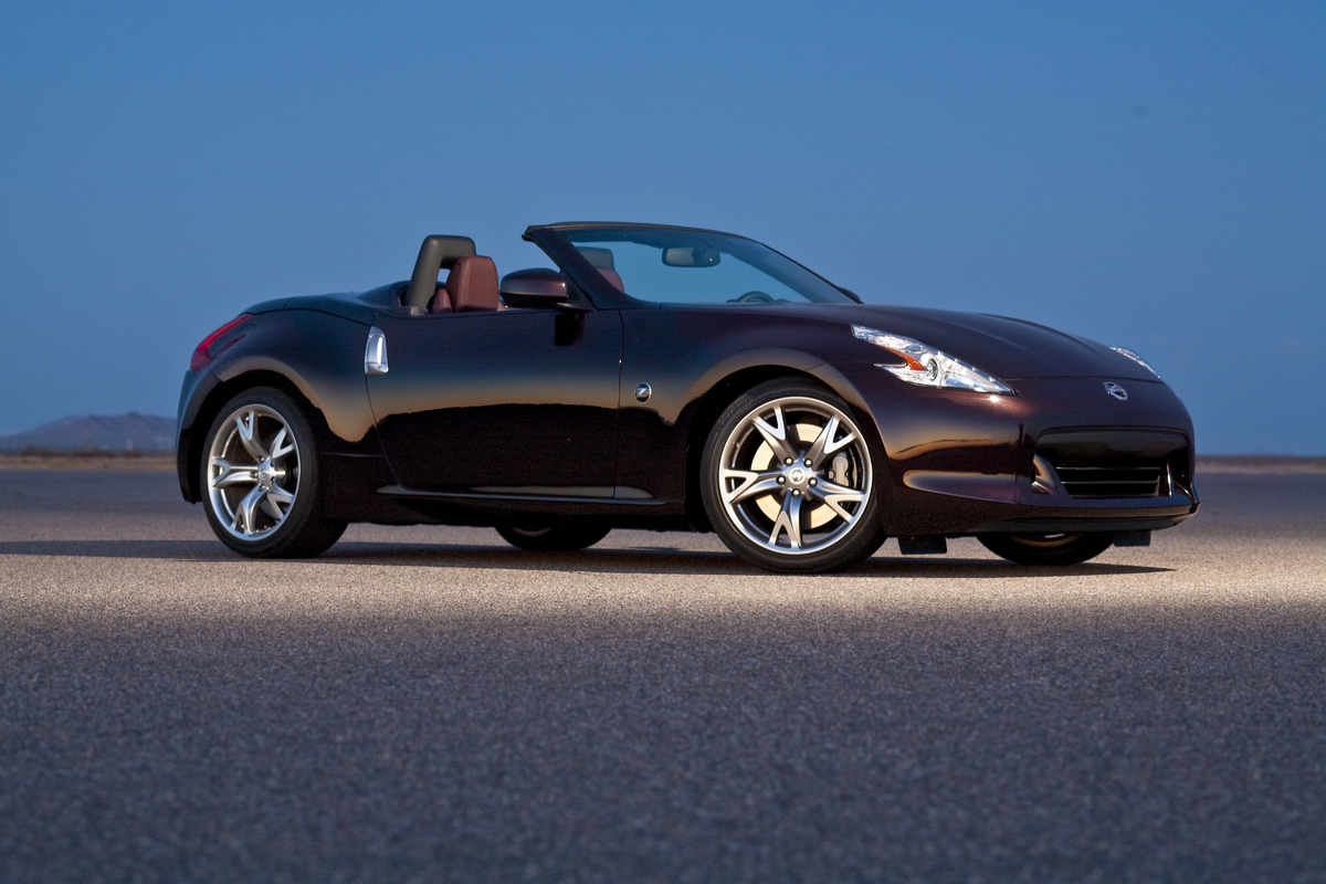 2012 nissan z roadster tour new car reviews grassroots motorsports. Black Bedroom Furniture Sets. Home Design Ideas