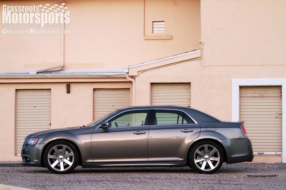 2012 chrysler 300 srt8 new car reviews grassroots. Black Bedroom Furniture Sets. Home Design Ideas