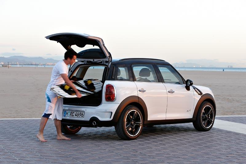 2011 mini cooper countryman new car reviews grassroots motorsports. Black Bedroom Furniture Sets. Home Design Ideas