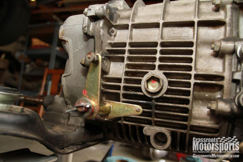 Throttle Linkage Cleanup Porsche 911 Carrera Project