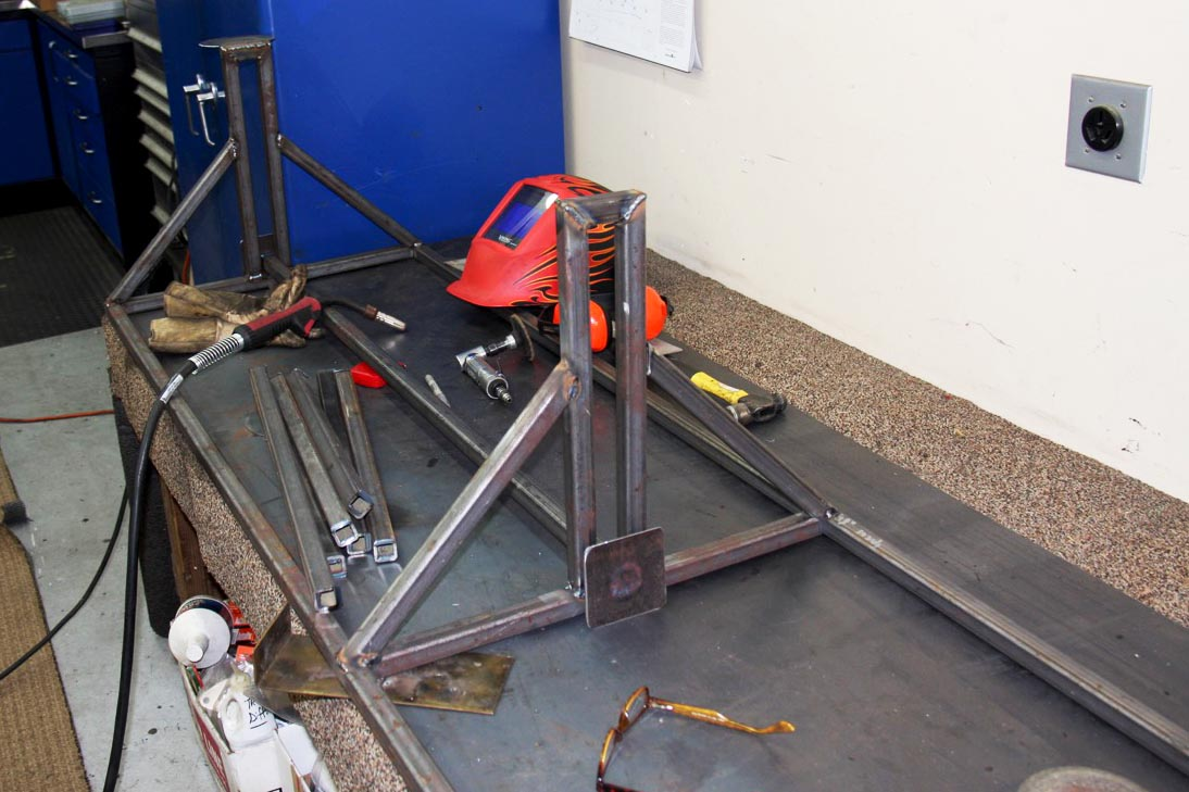 Diy tire rack for our ramp truck ford f 350 ramp truck for Diy tire