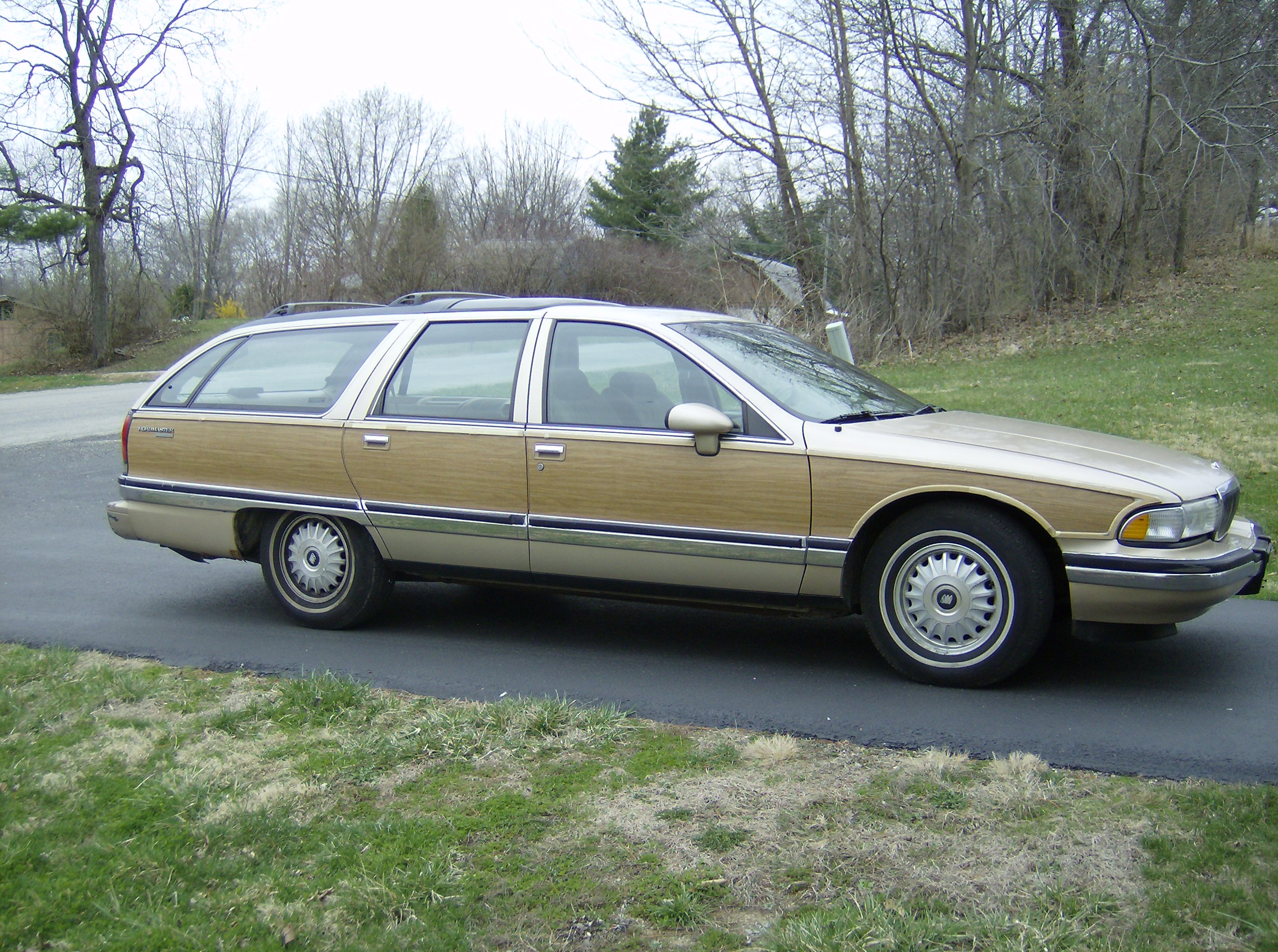 buick roadmaster woody wagon pictures. Black Bedroom Furniture Sets. Home Design Ideas